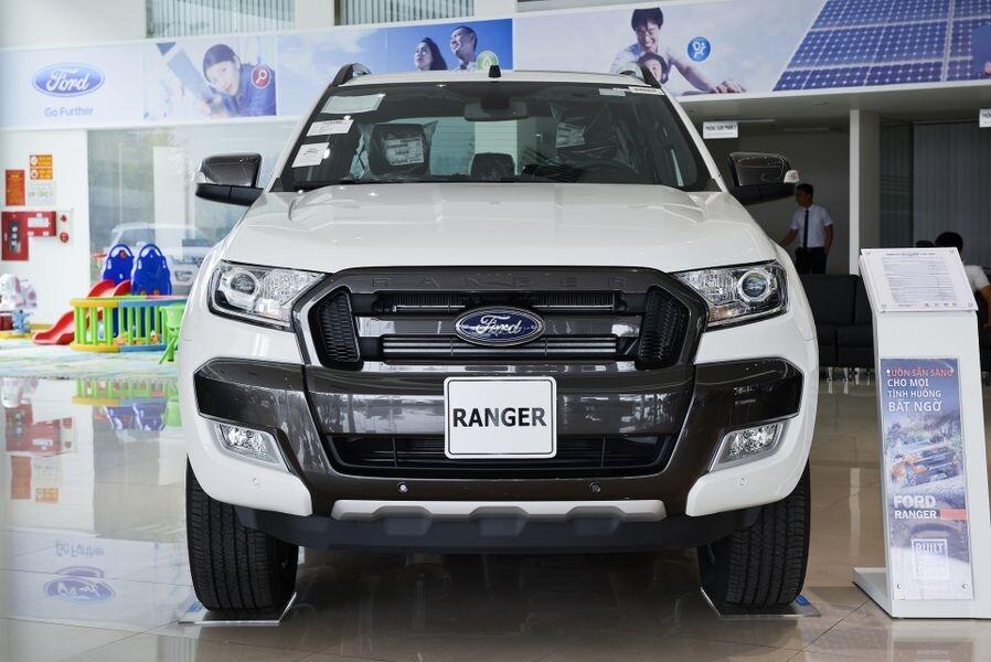 ford-ranger-wildtrak-2-2-4x2-ngoai-that-2